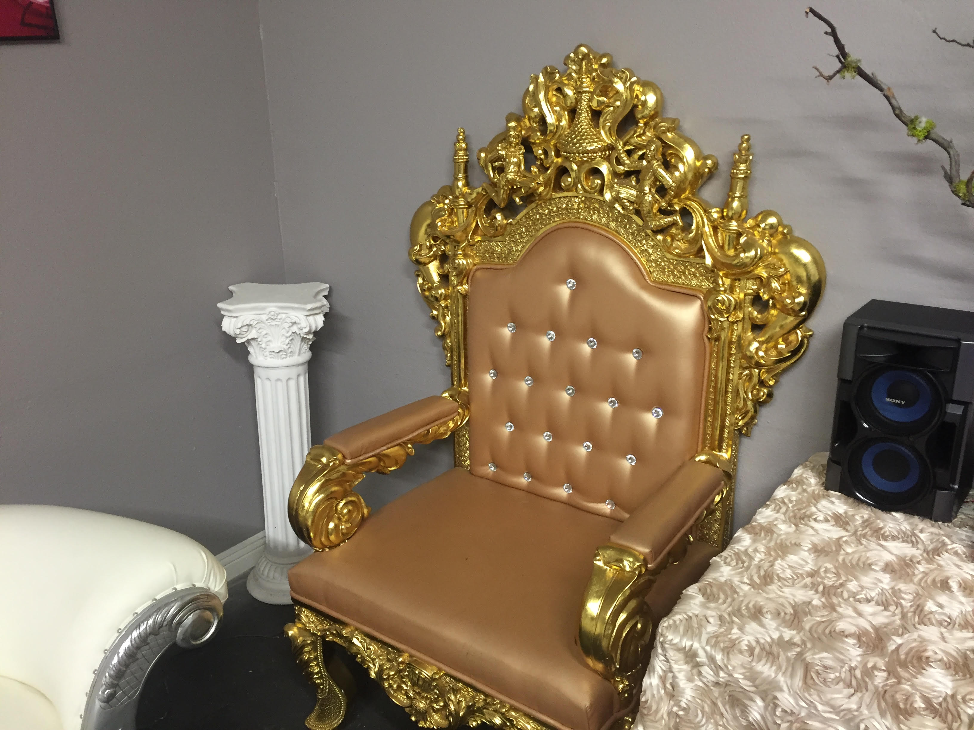 Gold-Throne-Chair.jpg