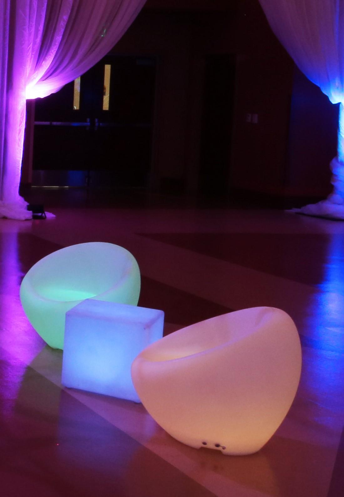 Ibiza-Glow-Chair-257d9954b46ffc.jpg