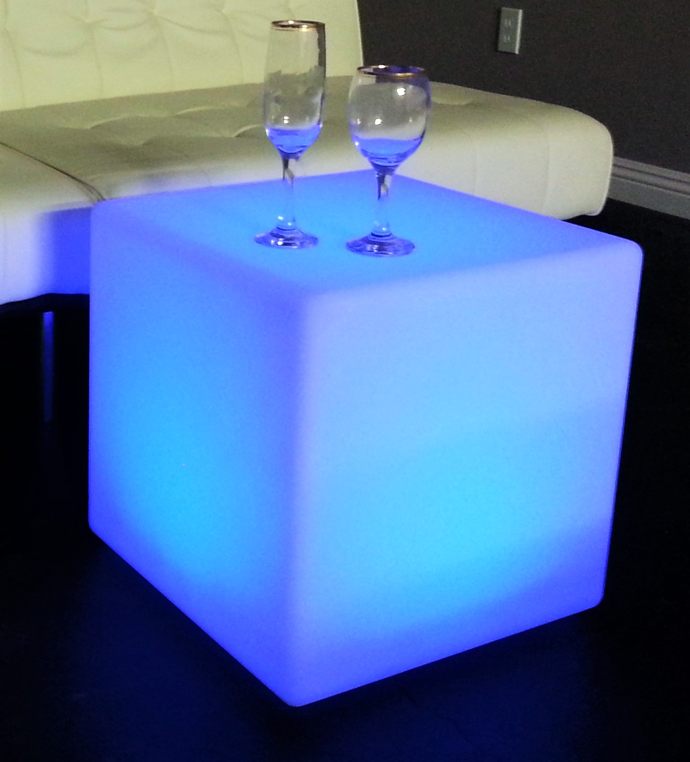 LED-Cube57d998e9db937.jpg