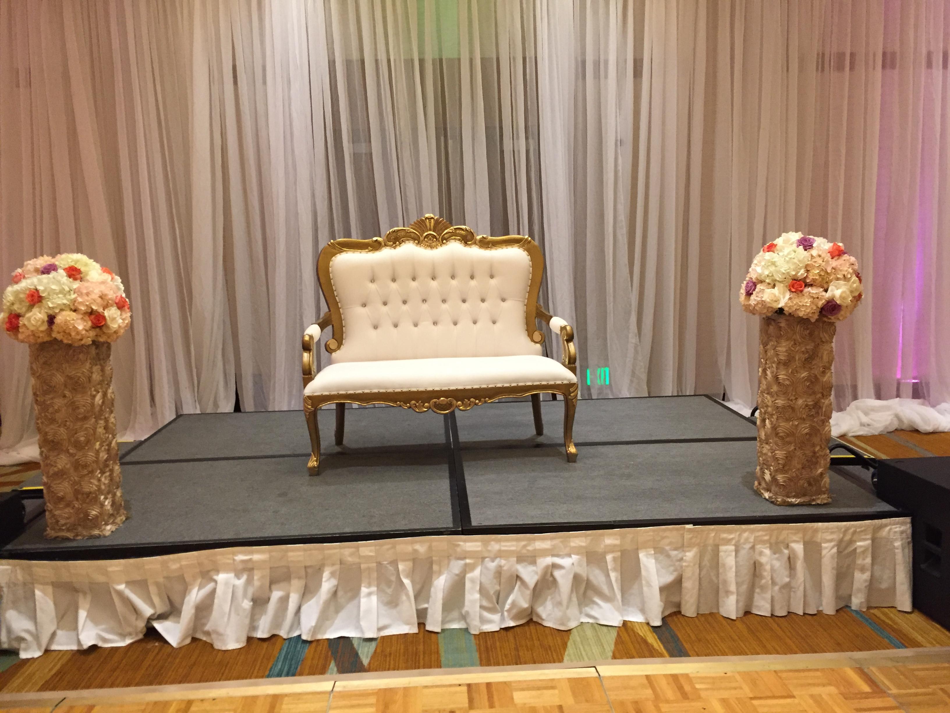 Gold-Baroque-Love-Seat.JPG